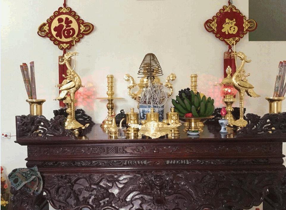 Cách sắp xếp đồ thờ, nội thất đồ thờ tại không gian thờ cúng mỗi gia đình